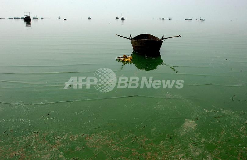 中国で川の水に触れた60人以上が病院へ