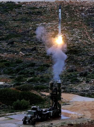 露、シリアに地対空ミサイル「S300」を新配備 米は意図を疑問視