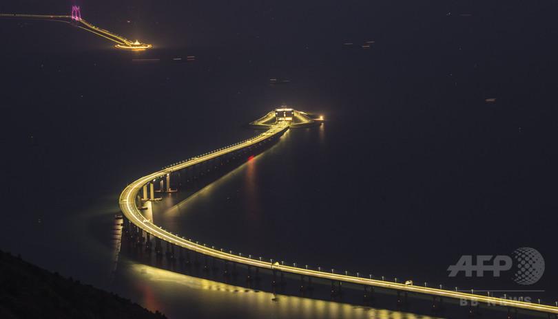 夜の港珠澳大橋 年内に完工、開通予定