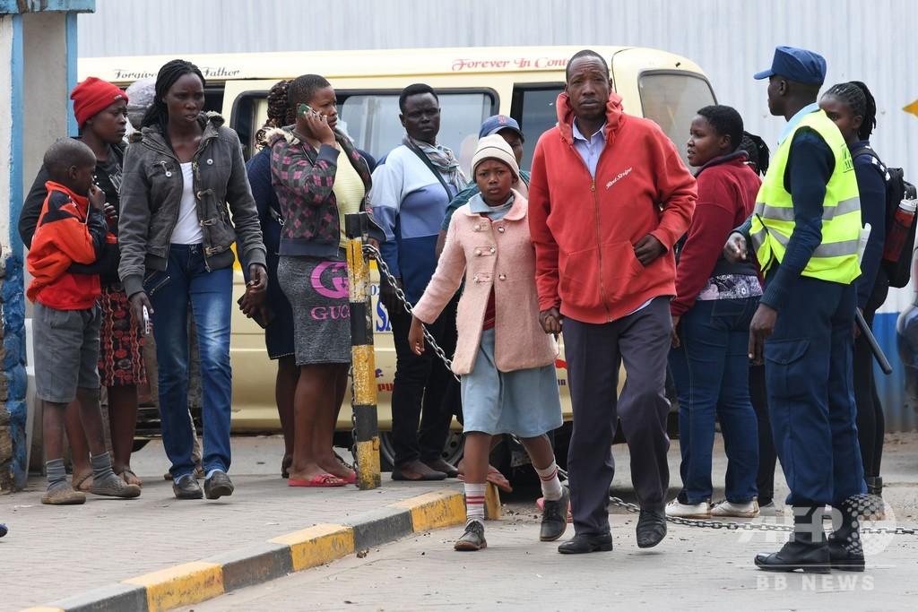 小学校倒壊で児童7人死亡、60人近くが負傷 ケニア