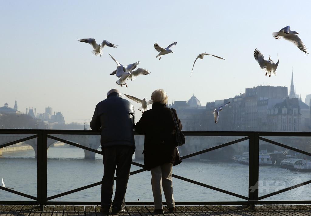 カナダの人口、高齢者が初めて子ども上回る 100歳以上は41%増