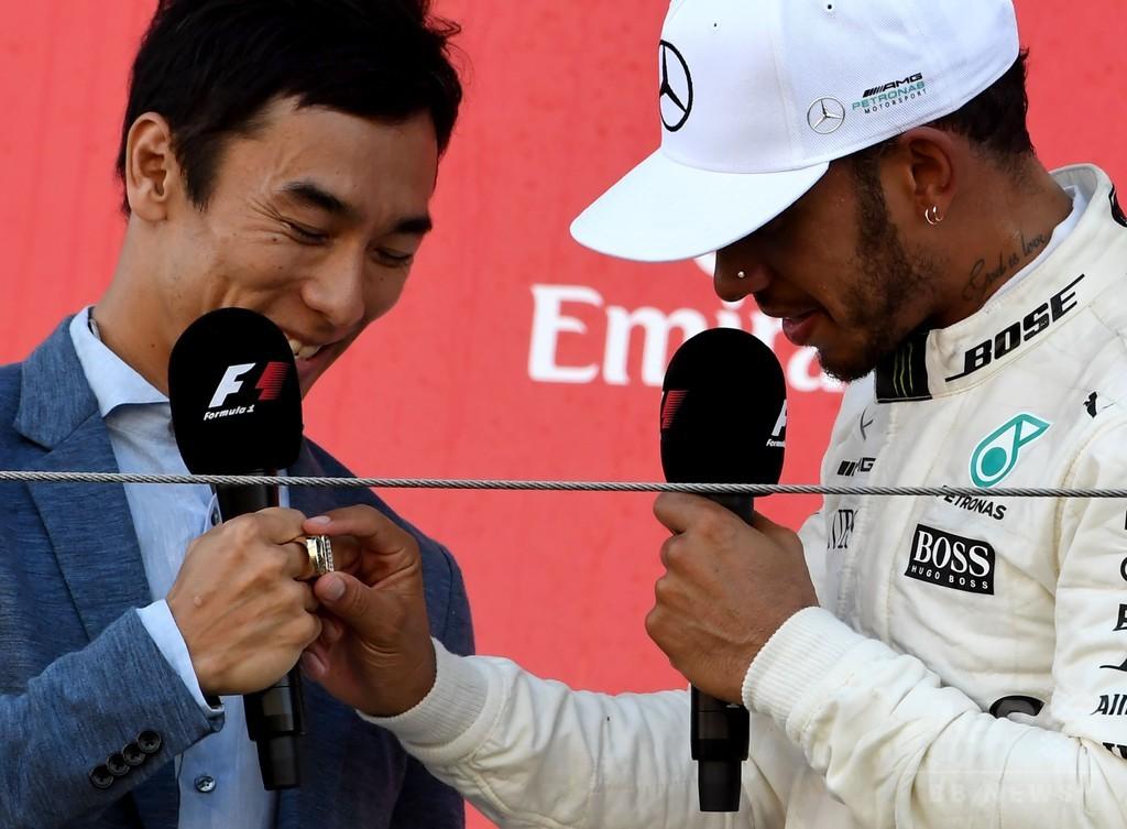 ハミルトンが日本GPでポールトゥウィン、4度目の総合優勝に前進