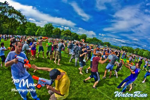 水風船を投げ合うランニングフェス「ウォーターラン」、8月初開催