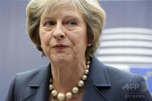 メイ英首相がEU首脳会議に初参加、仏大統領は強硬姿勢