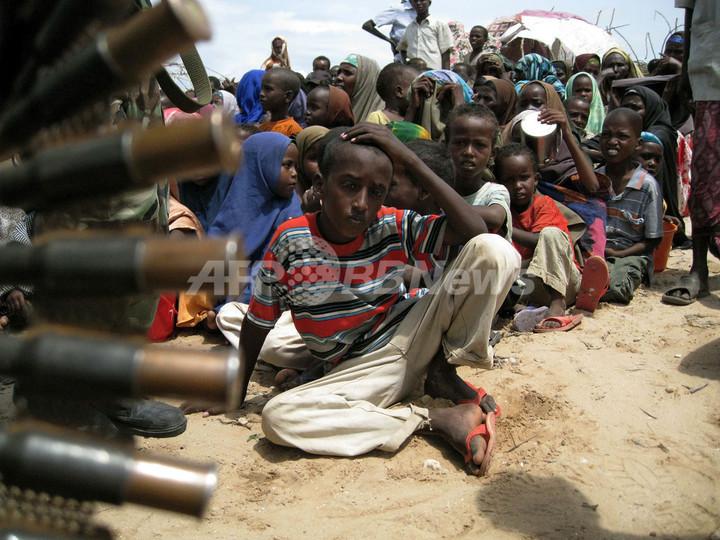 ソマリア飢饉、支援に「武装勢力支配」の壁