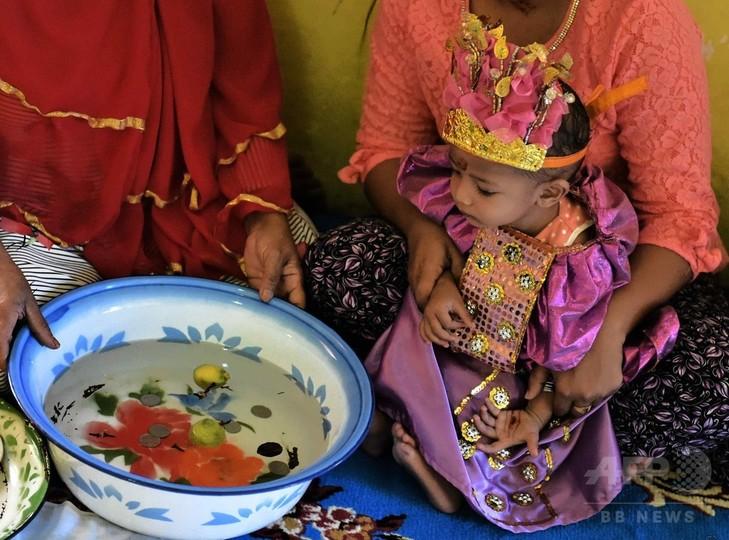 女性器切除の是非、インドネシア...