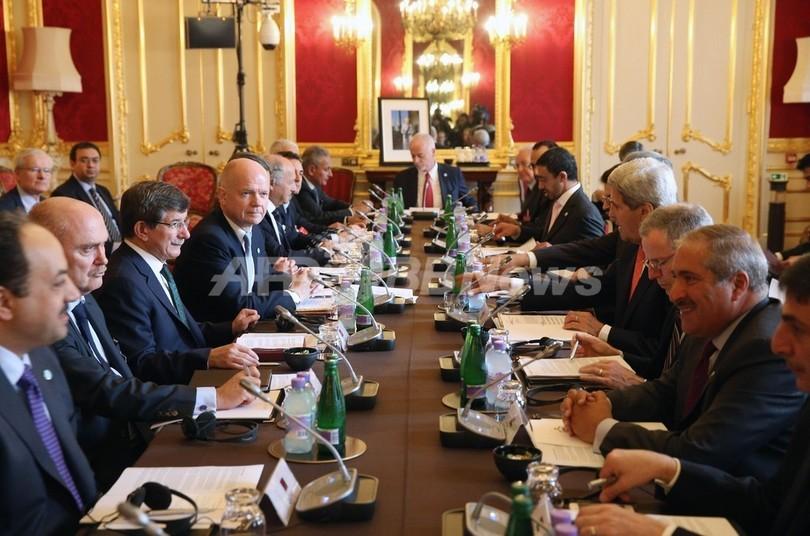 英でシリア問題会合、アサド氏退陣で合意