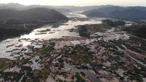 動画:ダム建設と干ばつが原因 メコン川が記録的低水位に タイ