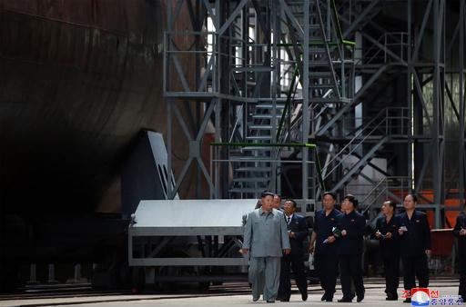 金委員長が新型潜水艦を視察、日本海に配備予定と報道 KCNA