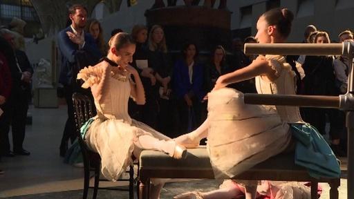 動画:パリに現れたドガの世界、オルセー美術館でバレエパフォーマンス