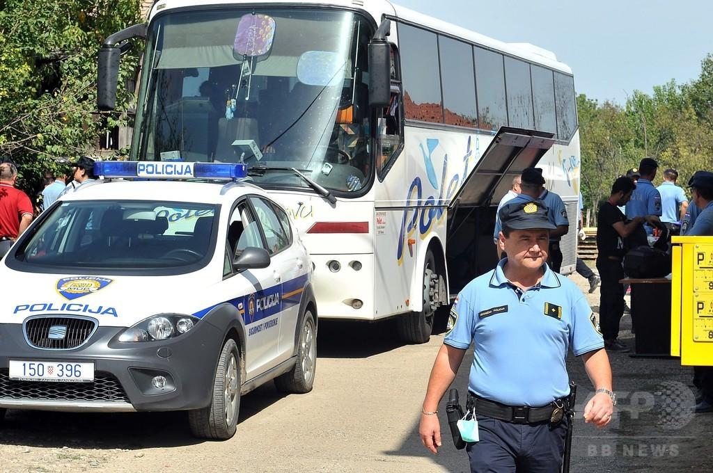 クロアチア、移民の「自由な通行」認める セルビアから第一陣入国