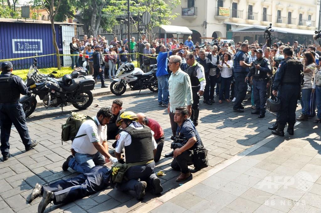メキシコの広場で銃撃、2人死亡 労働組合同士の抗争か