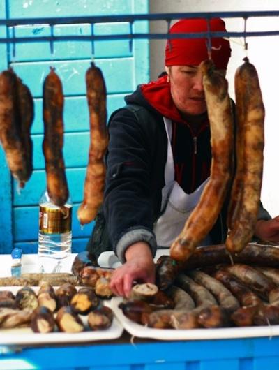 伝統食を「馬のペニス」と呼んだ英国人、国外追放に キルギス