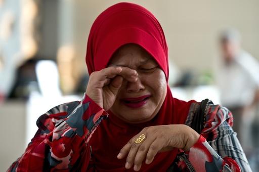 不明機捜索で深まる「混乱」、マレーシアに非難集中