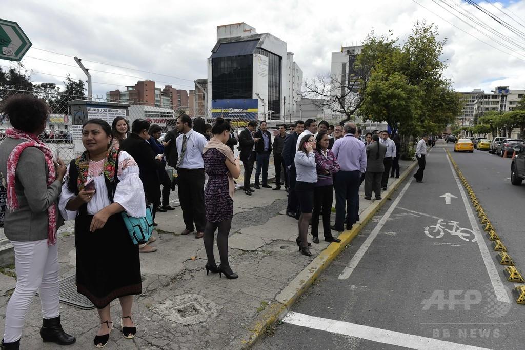 エクアドルでまたM6級の余震、1人死亡85人負傷