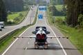 「走る」戦闘機?ドイツ幹線道路に現る