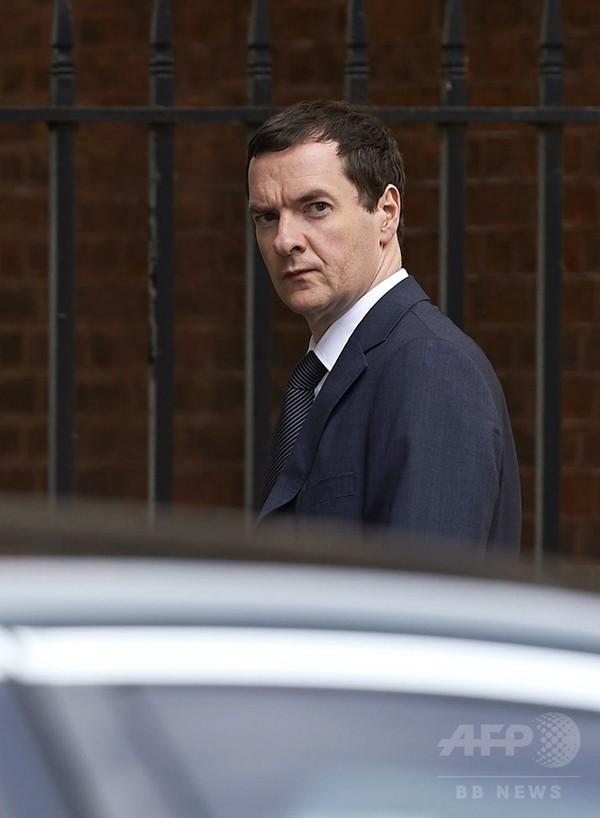 英財務相、「ギリシャ金融支援への参加に反対」 英紙報道