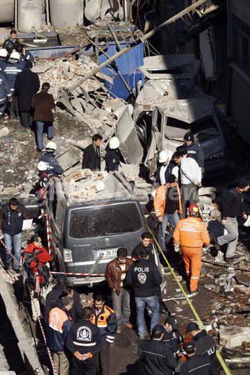 無許可の花火工房爆発、20人死亡、トルコ
