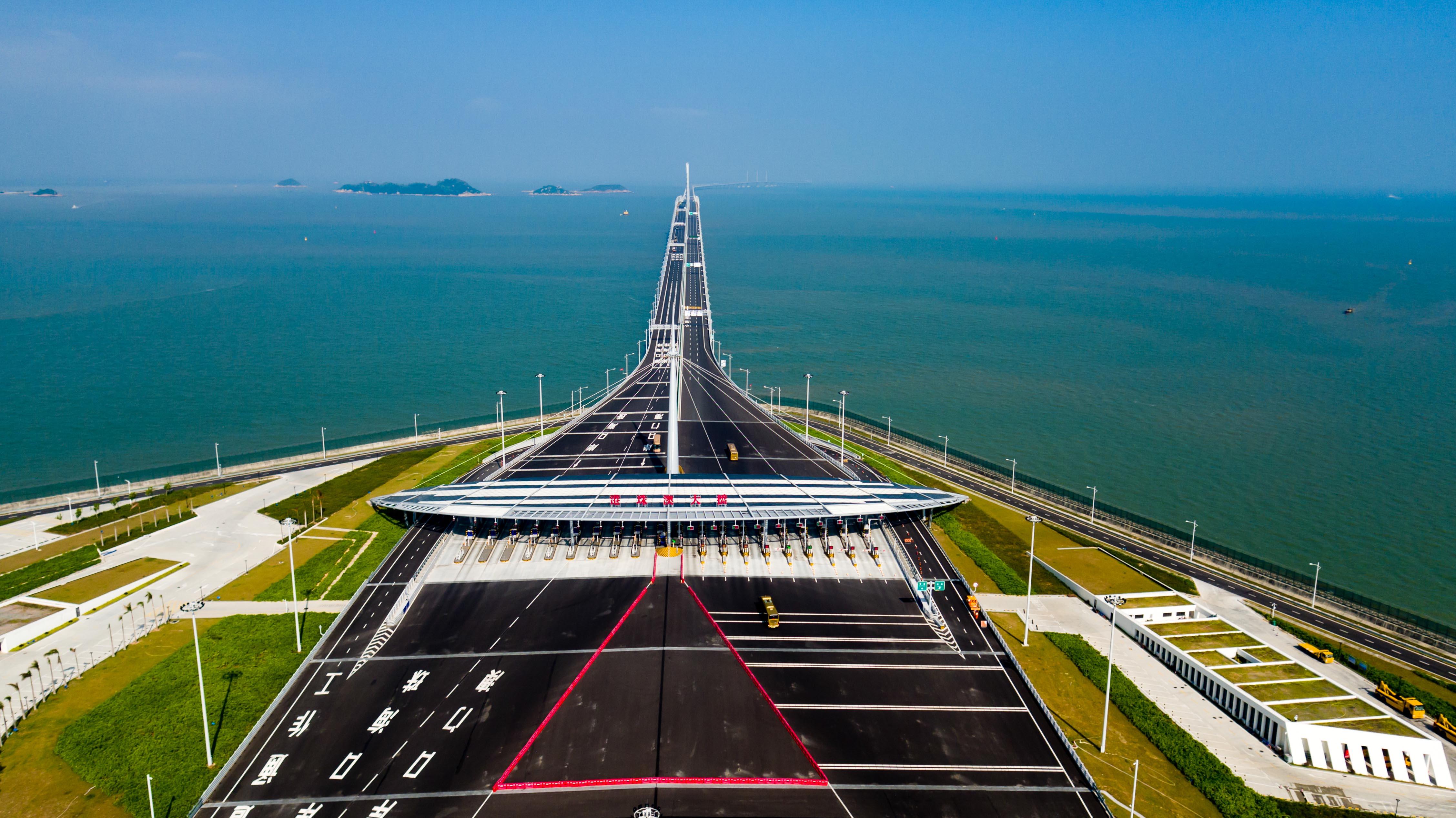 港珠澳大橋、開通1周年 通行人数1400万人、車両台数150万台を突破