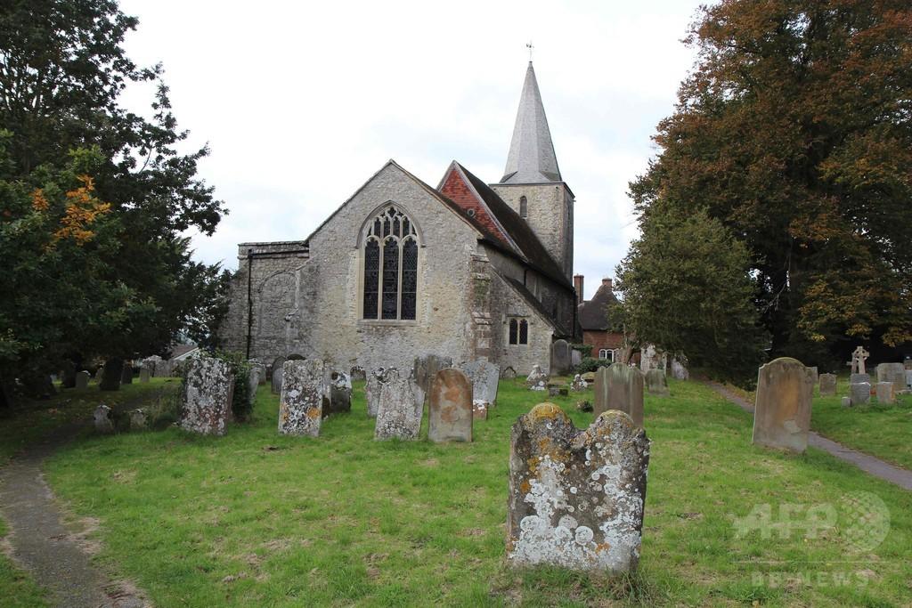 英国の「幽霊村」、ハロウィーンの幽霊好き襲来に備える