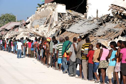 大地震の死者11万人超える、ハイチ内務省