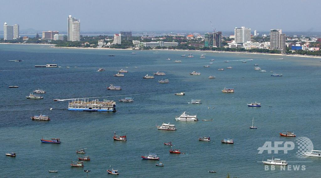 1歳の息子をベビーカーに乗せ海に沈めて殺害、父親を逮捕 タイ