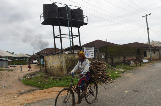 深夜の礼拝帰りに銃撃、14人死亡 ナイジェリア