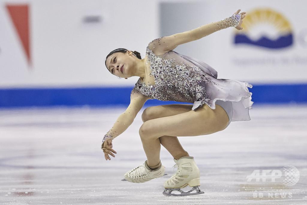 紀平梨花、スケート・カナダ女子SPで首位発進