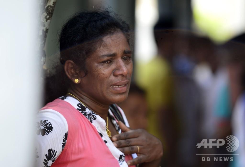 スリランカ連続爆発、コロンボの遺体安置所 スクリーンの画像で身元確認