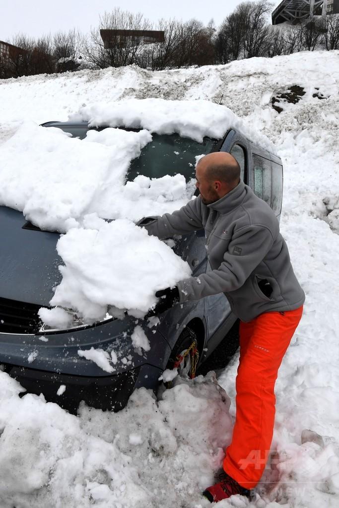 冬の嵐「エレノア」、仏アルプスに雪崩警報 山火事や洪水も