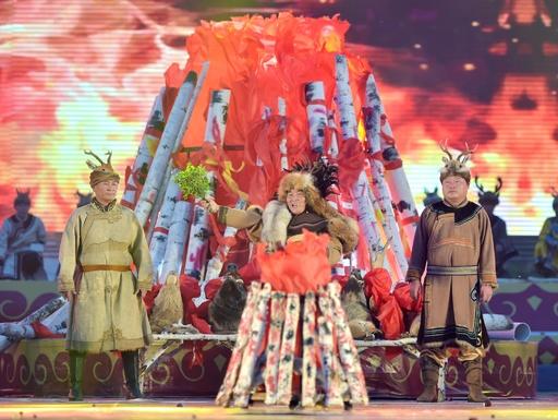 オロチョン族の伝統行事「かがり火祭り」 内モンゴル自治区