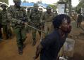 大統領選めぐりケニア全土に広がる暴動、死者185人