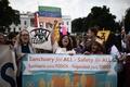 トランプ政権、移民救済制度を撤廃 若者80万人強制送還の恐れ