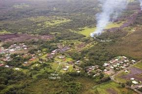 ハワイで溶岩が民家に到達、町全体に危険