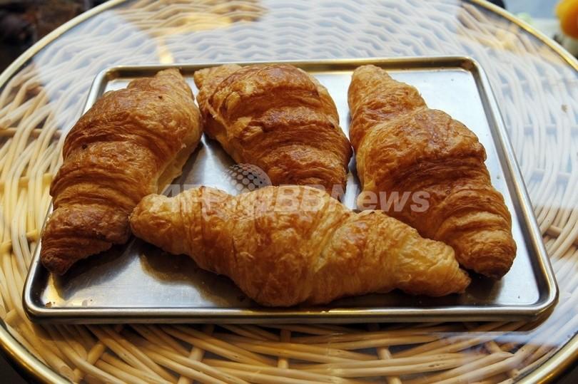 パリ近郊のパン屋で連続「クロワッサン」強盗、フランス