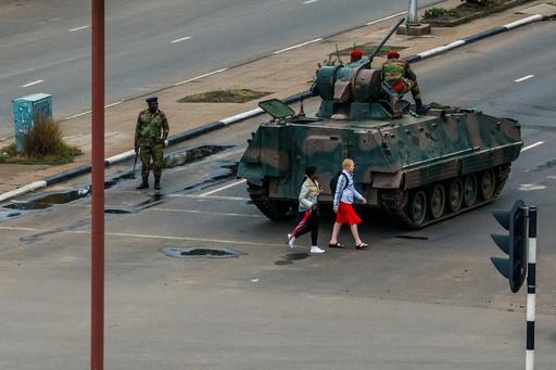 ムガベ政権ついに終焉へ? ジンバブエ政変、国民が語る喜びと不安
