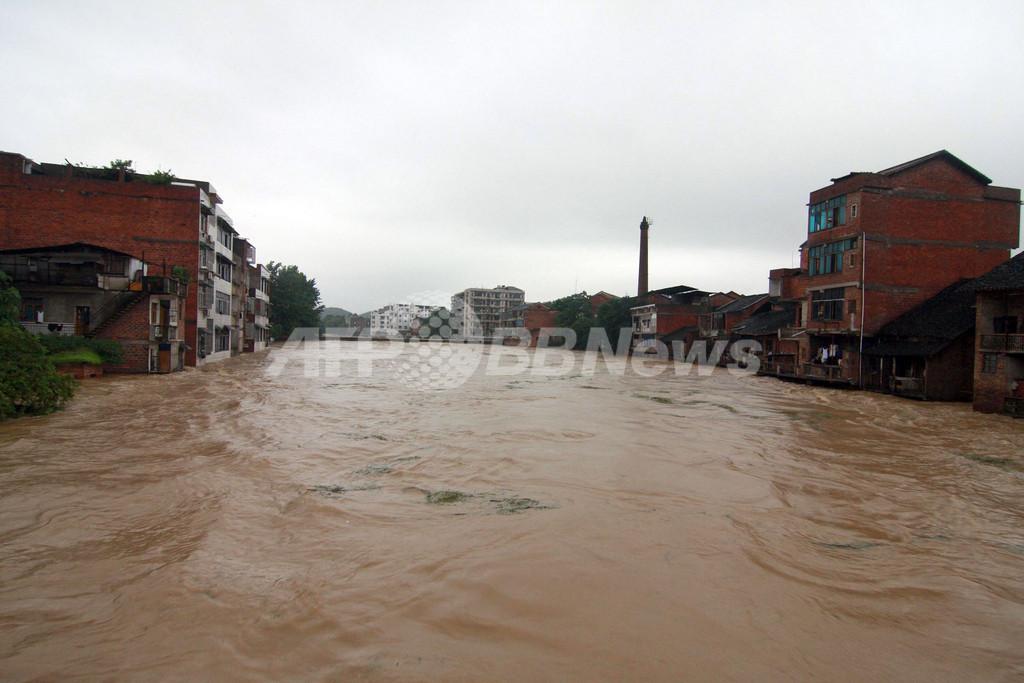 中国で今年最大規模の集中豪雨、11人死亡