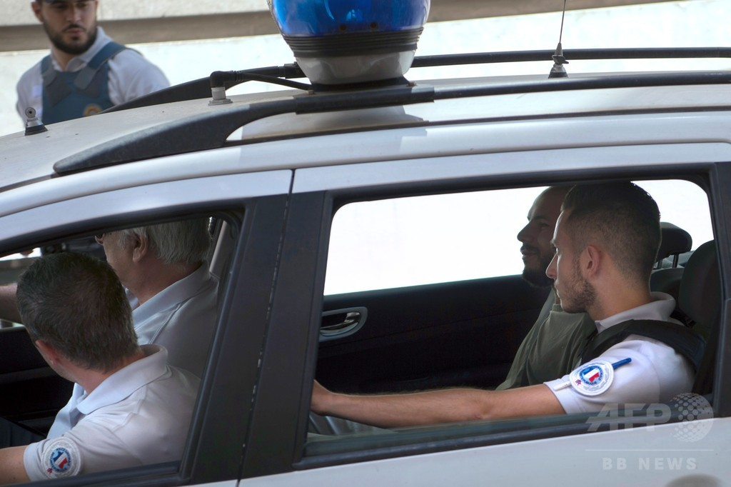 サッカー欧州選手権、乱闘のファン3人に禁錮刑