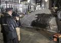 カラシニコフ氏の像にナチス・ドイツの突撃銃、彫刻家ミス認める
