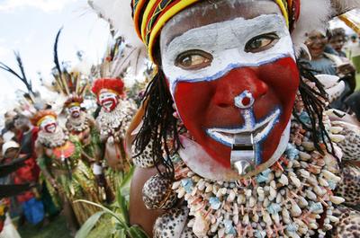 パプアニューギニアの全民族が集合