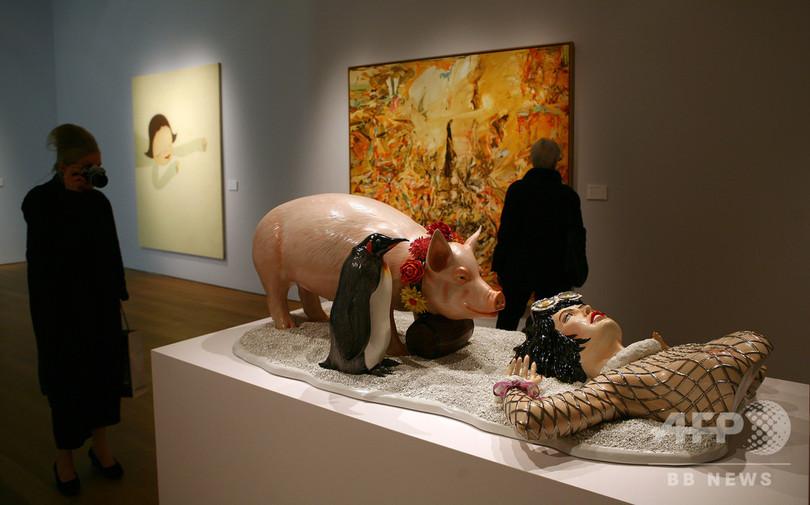 現代美術作家J・クーンズ氏の作品、仏裁判所が盗作認定 賠償を命令