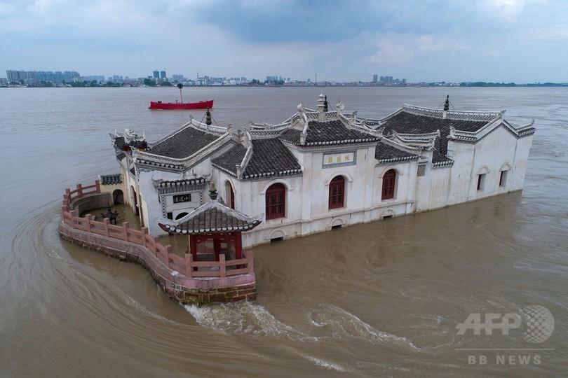 中国・湖南省で洪水や土砂崩れ相次ぐ、死者少なくとも63人