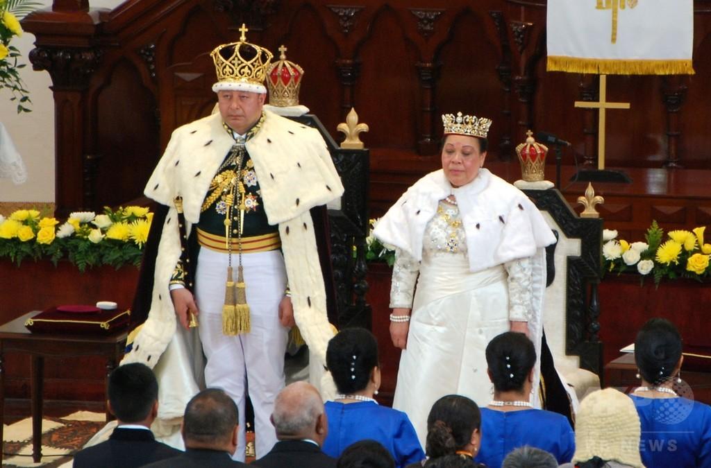 トンガ国王、議会の解散命じる 11月までに選挙 ポヒバ首相解任