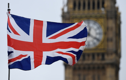 英政府、新移民政策案を発表 産業界は反発