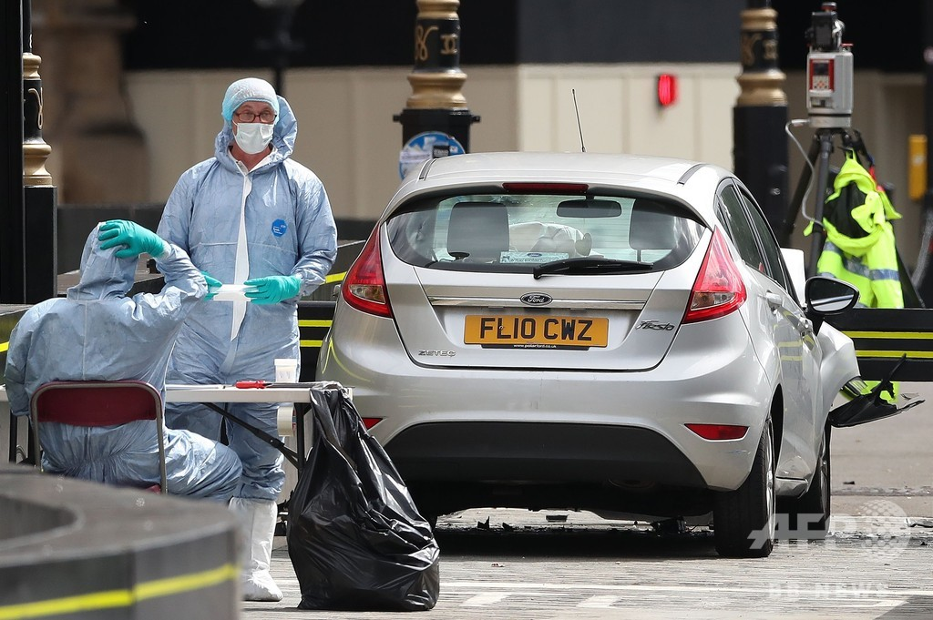 英国会そばで車暴走、3人負傷 テロ容疑で運転手逮捕