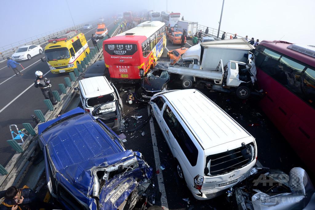 車100台絡む多重事故、2人死亡 韓国