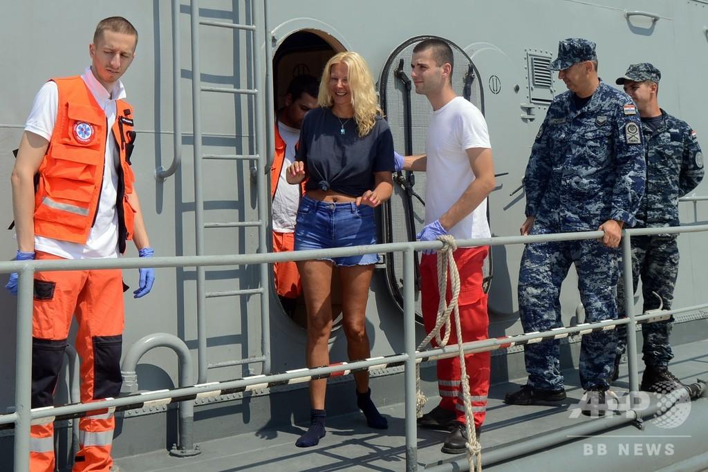 クルーズ船から転落、海で一晩過ごした英国人観光客救助 クロアチア