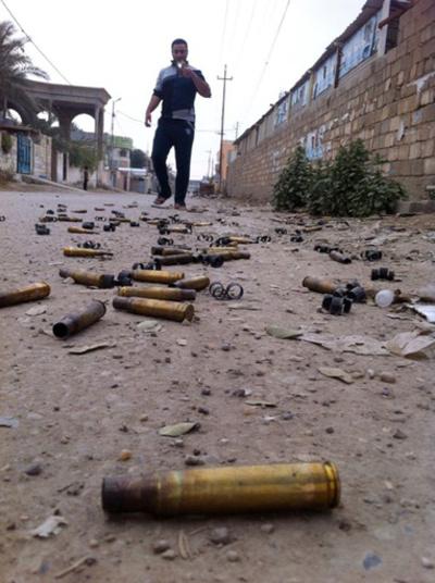 イラクで治安部隊がアルカイダ系組織と戦闘、死者100人以上