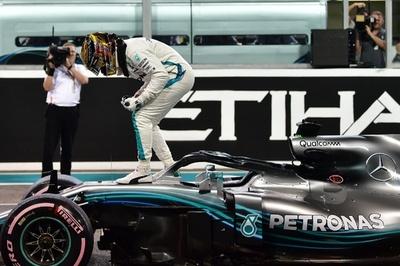 ハミルトンがPP獲得、「愛着ある」マシンで圧巻の走り アブダビGP