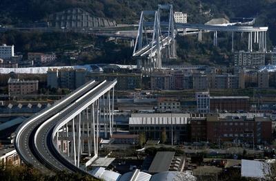 崩落事故が起きた高架橋、伊ジェノバ市長が1年以内に再建の意向